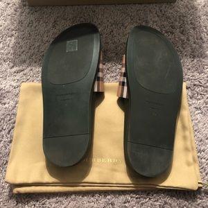 862d40667 Burberry Shoes - Burberry vintage check slide